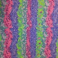 Kaffe Fassett getupftes Muster mit grün, violett und blau